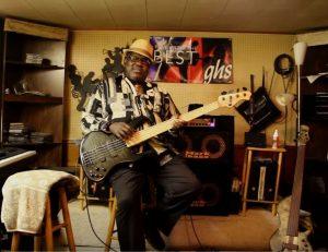 nathan watts le bassiste incontournable